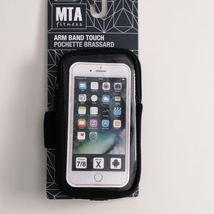 MTA Fitness NWT Arm Band Touch